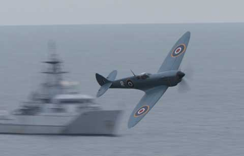 Spitfire. Bournemouth Air Festival 2012. Picture: corin Messer.